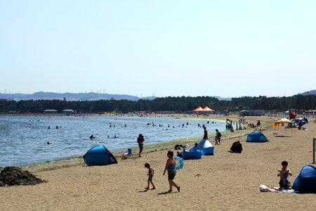 横浜市内で海水浴が楽しめる「海の公園」