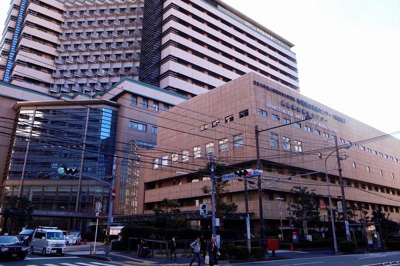 物件から徒歩6分の「横浜市立大学附属市民総合医療センター」